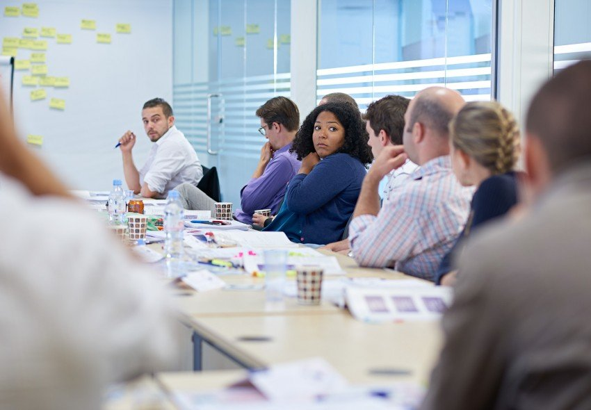 Classroom discussion in a London project management workshop